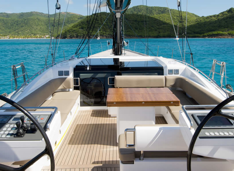 27m Sailing Yacht Cockpit Deck Entertaining