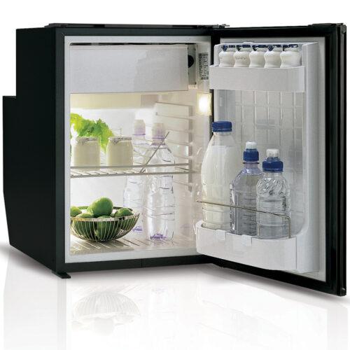 C51 - 51 Litre 12/24 volt marine fridge-02