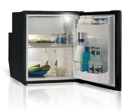 C62 - 62 Litre 12/24 volt marine fridge-02