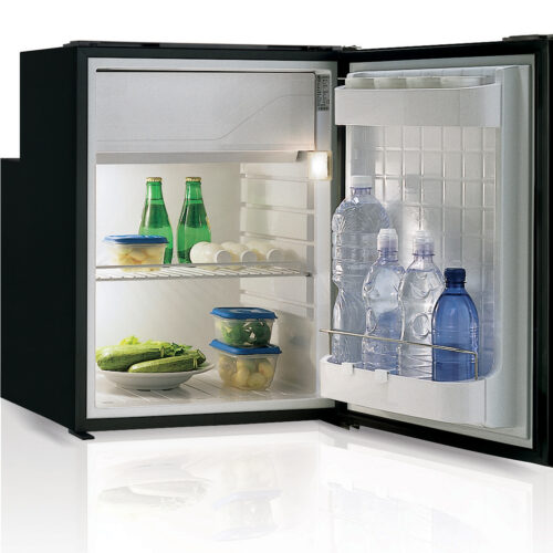 C90 - 90 Litre 12/24 volt marine fridge-02